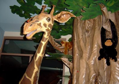 3-D Giraffe with 3-D Tree